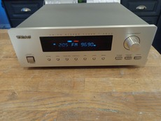 MINT TEAC T-H500 tuner with original box ,owner manual and