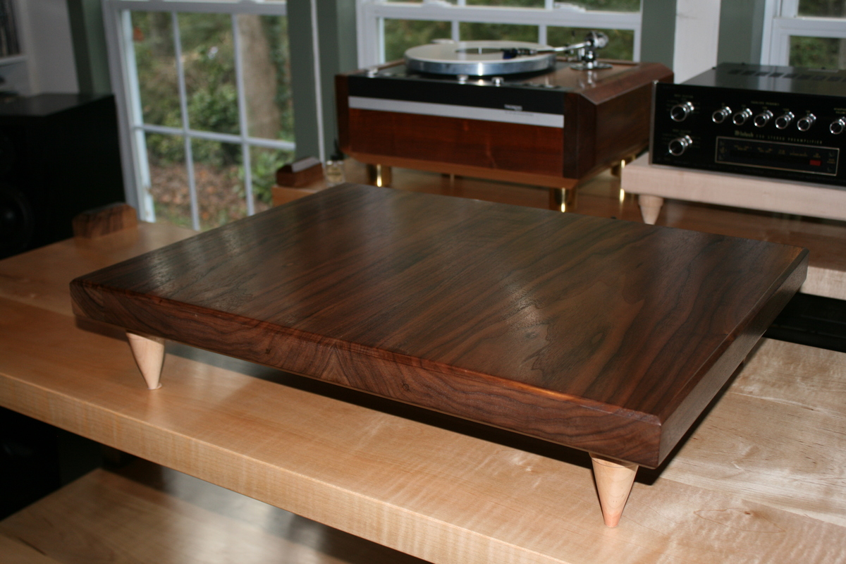 the walnut amp stand that is now under the BAT amp