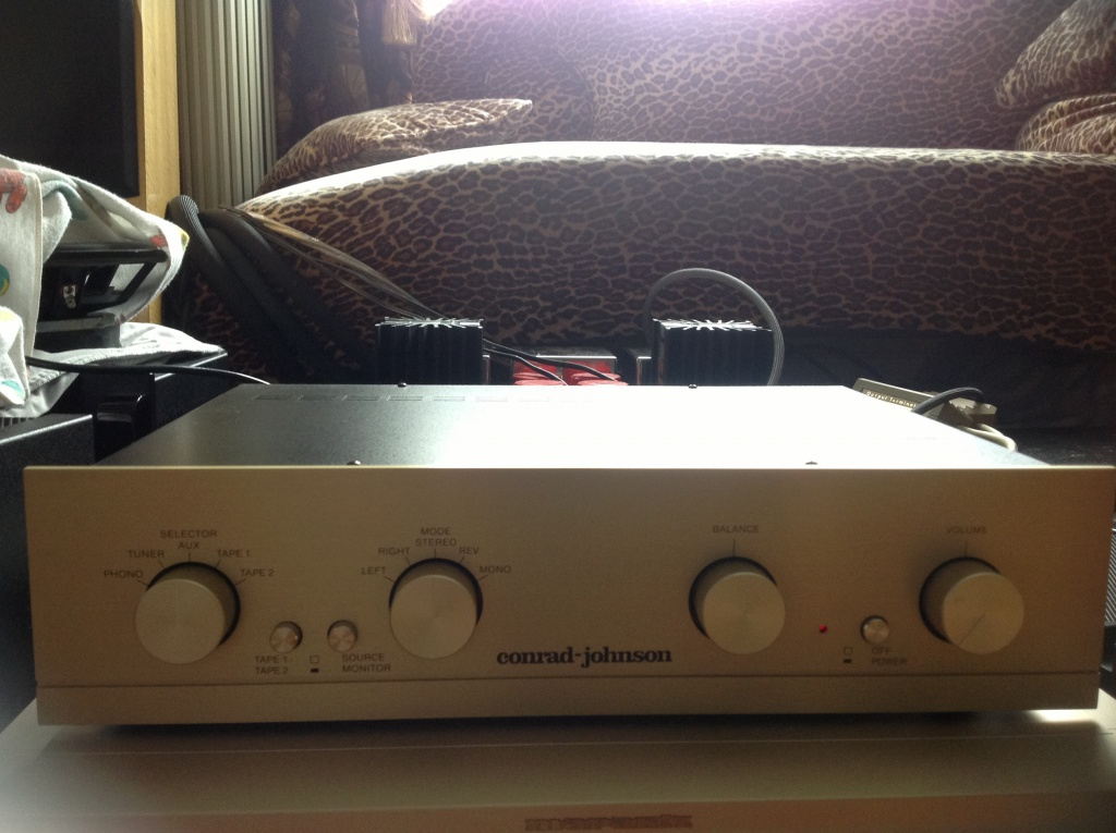Conrad Johnson PV5 preamp For Sale - US Audio Mart