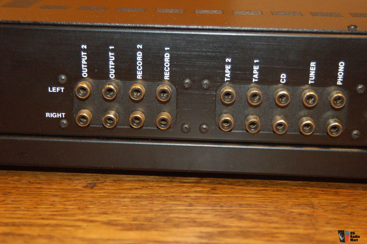 conrad johnson pv 8 stereo tube preamp with phono includes owners rh ukaudiomart com Conrad Johnson Pre Amp Conrad Johnson Synthesis