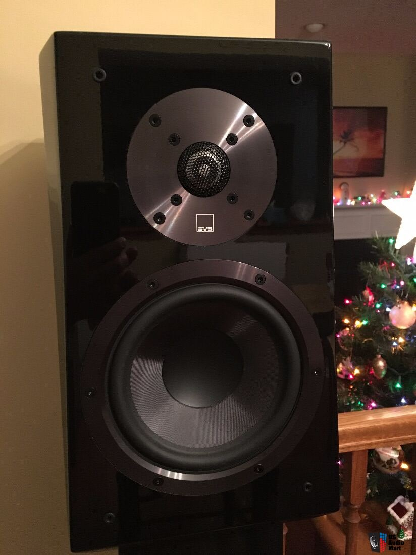 SVS Ultra Bookshelf Speakers Excellent Condition