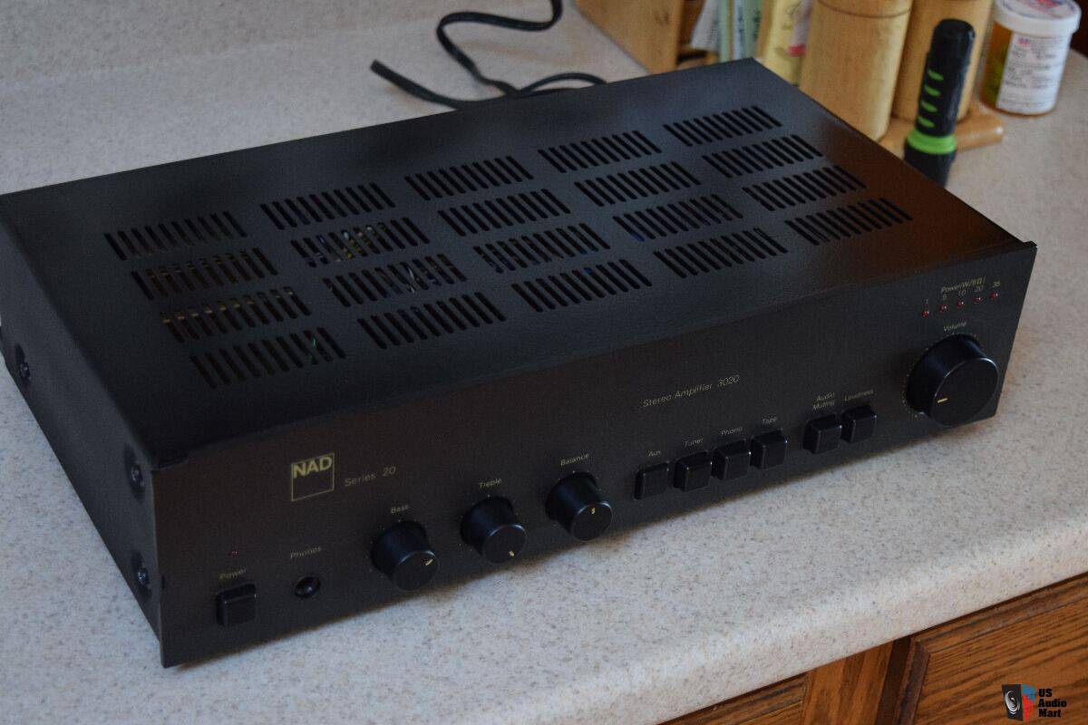 NAD 3020 HI FIDELITY Integrated Amplifier