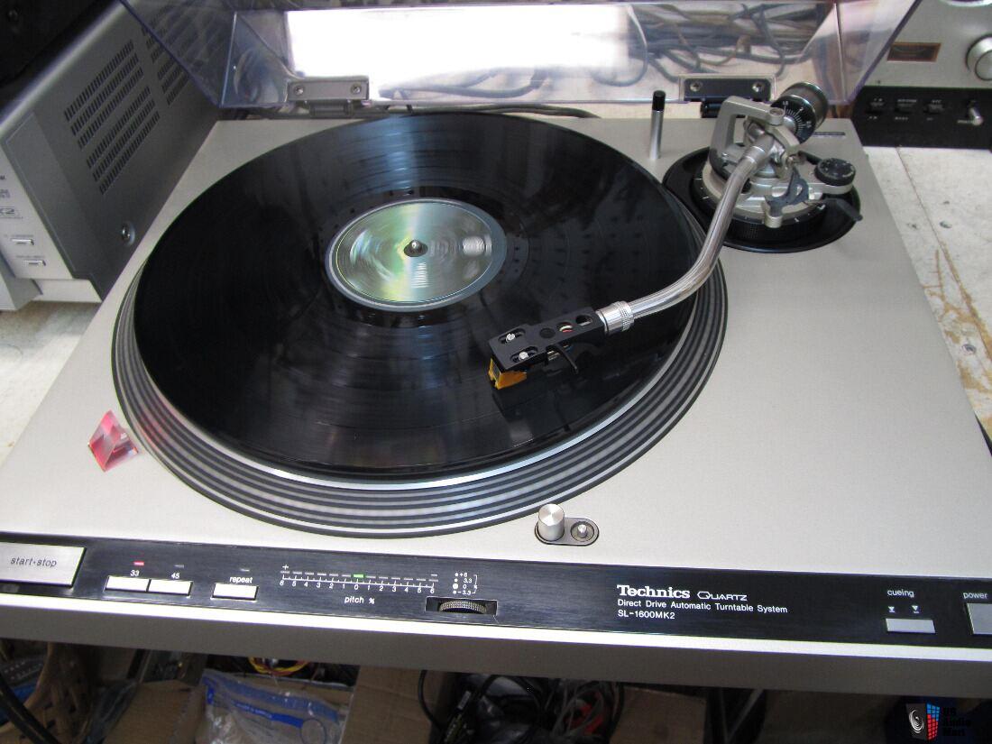 Beautiful Technics SL-1600 MK2 Turntable, Automatic, Owners
