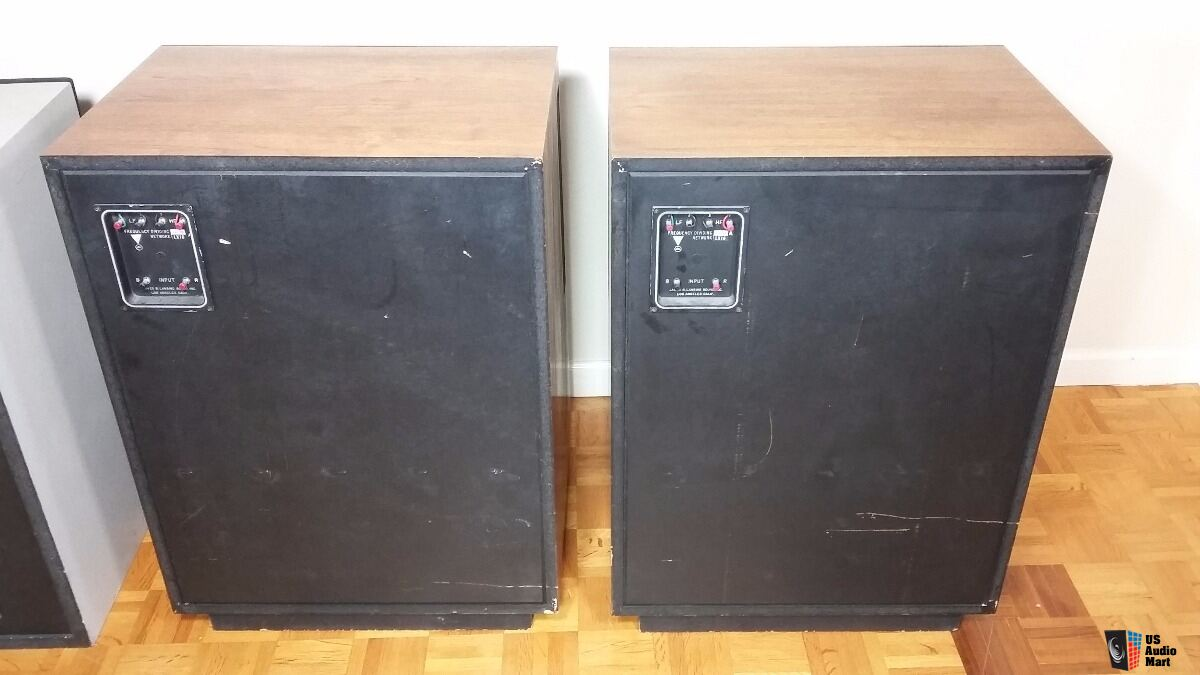 Pair Of Vintage Jbl L200 Studio Master 2 Way Speakers
