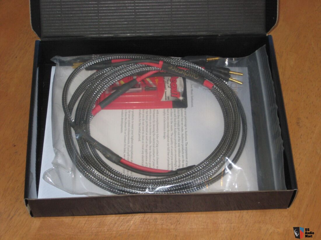 Audience AU24 SX Speaker Wire. 2.5 meter with banana plugs. Orig ...
