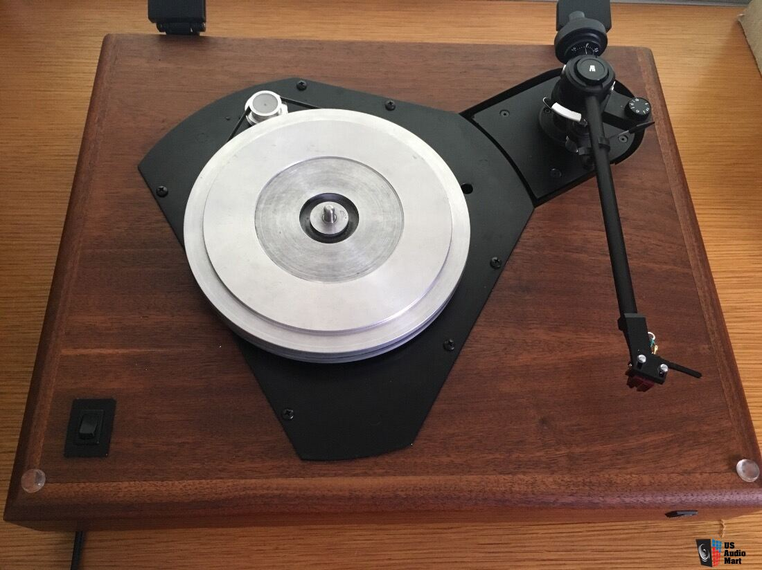 Acoustic Research AR ES-1 turntable with Marc Morin Mods Photo