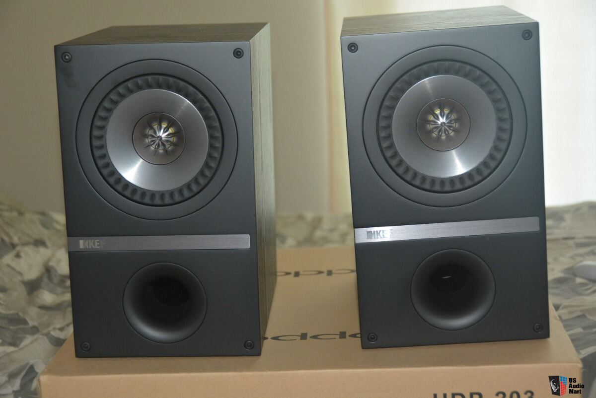 KEF Q100 Bookshelf Speakers Black Ash