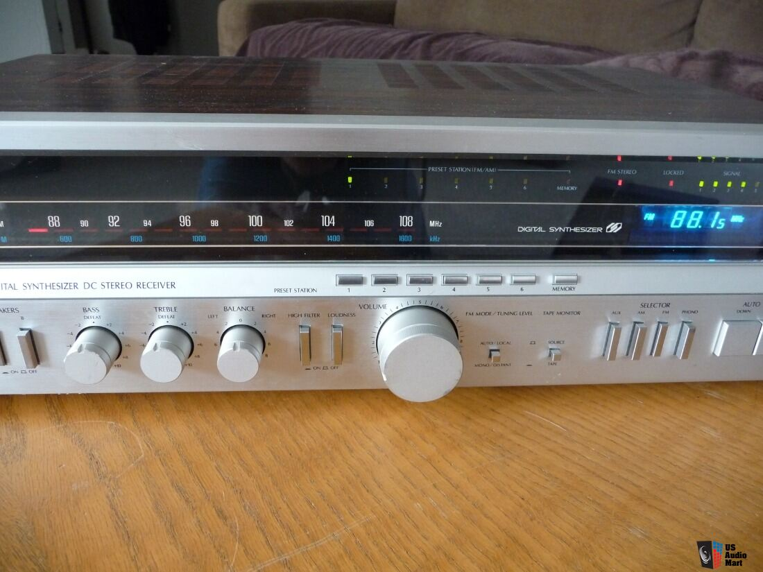 Sansui 3900Z Vintage AM FM Stereo Receiver Works Well