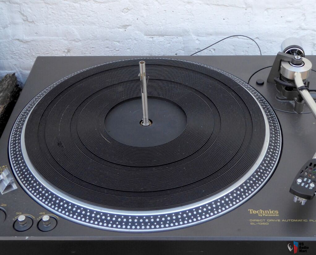 SOLD Technics SL-1350 direct drive turntable - auto with