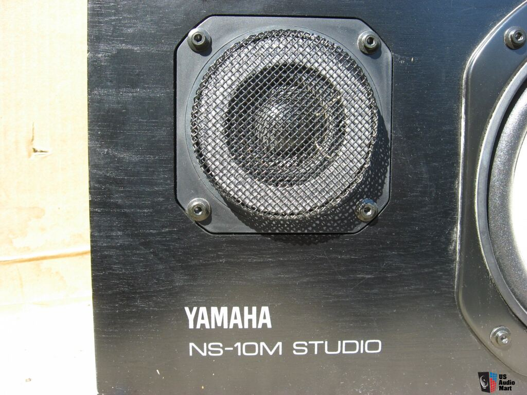 2 yamaha ns 10m 2 way studio monitor speakers photo. Black Bedroom Furniture Sets. Home Design Ideas