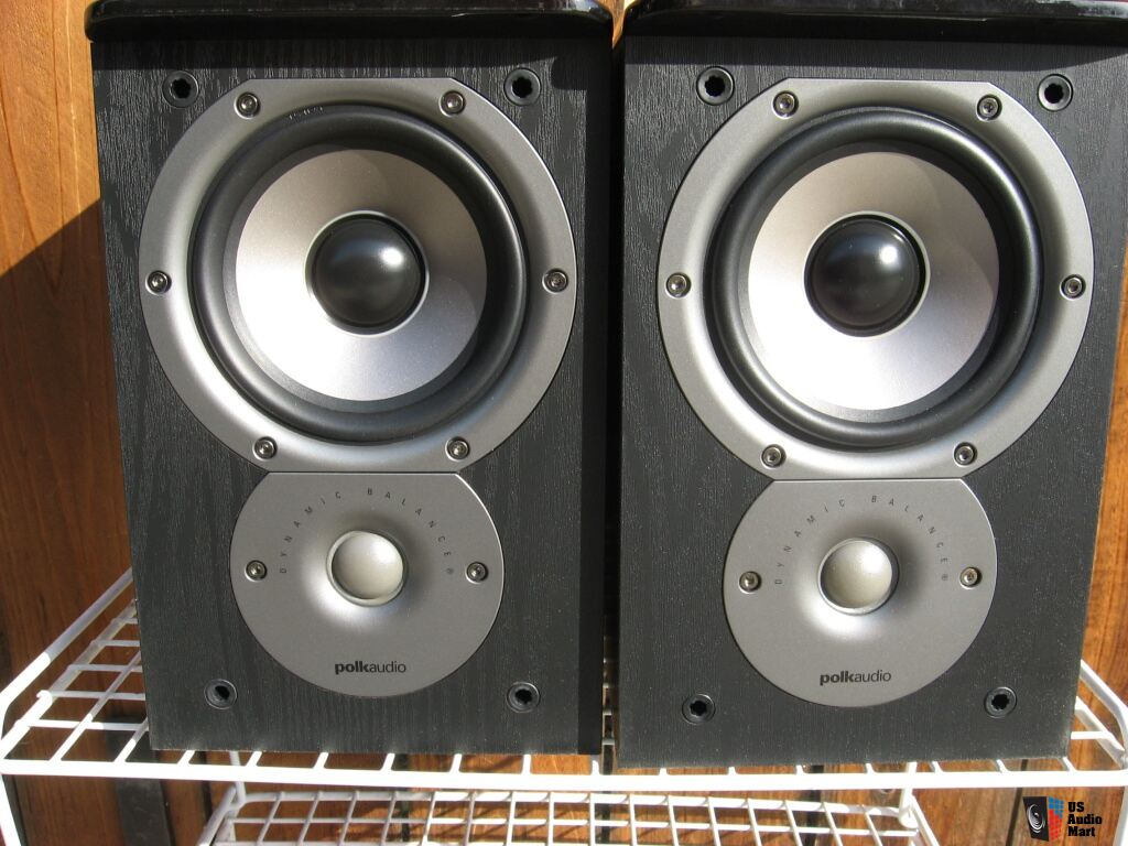 2 Polk Audio TSi100 Bookshelf Speakers